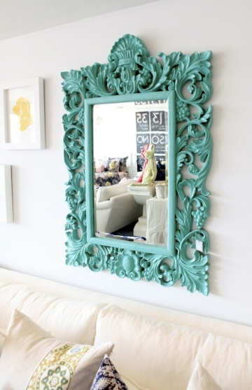 Have I mentioned yet that I'm in love with painted vintage finds like this mirror?