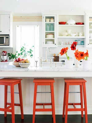 If only there wasn't a tot kitchen under my bar counter...I'd have stools like these.