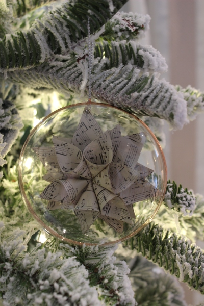 Many of their gorgeous ornaments are neutral in color so they can fit in with any decorating color scheme you fancy.